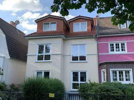 Charmante 3-Zimmer Wohnung mit Balkon in einem Altbremer Haus und traumhafter Wohnlage