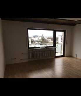 2-Zimmer Wohnung mit Balkon und Einbauküche in Viernheim.