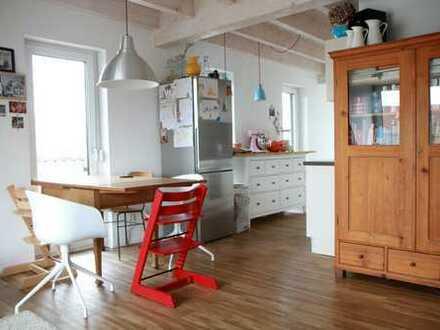 Freundliche 4,5-Zimmer-Maisonette-Wohnung mit EBK in Leonberg-Höfingen