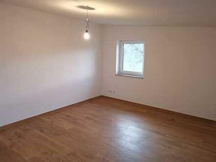 Erstbezug: ansprechende 2,5-Zimmer-DG-Wohnung mit Einbauküche in Wilhelmsdorf-Zussdorf