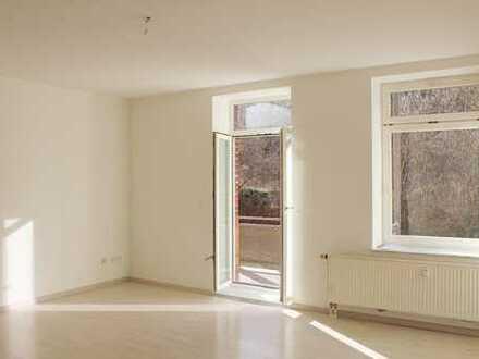 Helle 2-Zimmer Wohnung mit Balkon zu vermieten!