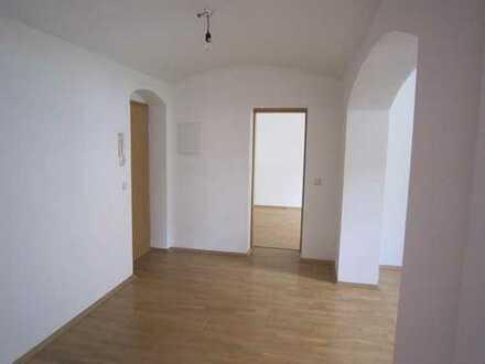Ruhige 2-Zi.-Wohnung mit Gartennutzung in Uni-Nähe (DD-Plauen) inkl. Einbauküche.