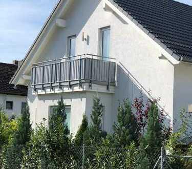 Schönes Haus mit fünf Zimmern in Aichach-Friedberg (Kreis), Dasing, provisionsfrei