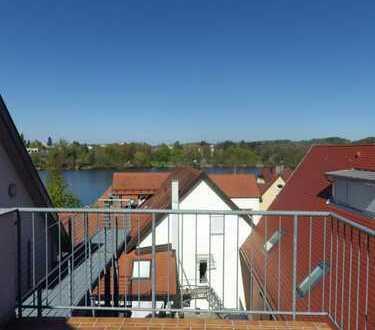 Bad Waldsee Stadtmitte: Individuelle 3,5-Zimmer-Wohnung mit Dachterrasse und Seeblick!