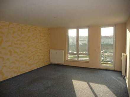 Geräumige 3 Raumwohnung mit Balkon zu vermieten!