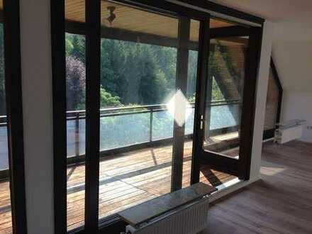 Sanierte 7-Raum-Maisonette-Wohnung mit Balkon in Overath
