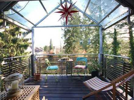 Neu-Isenburg / Villenviertel: Traumhafte 3-Zi-Wohnung mit idyllischem Balkon