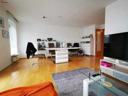 Moderne sonnige 4-Zimmer-Wohnung mit großem Balkon