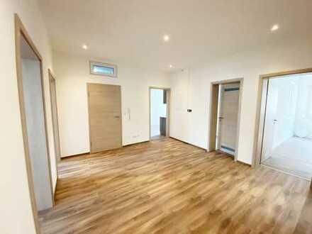 Frisch Renovierte 5-Zimmer Wohnung im 1.OG