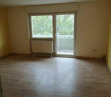 Geschmackvolle Wohnung mit zweieinhalb Zimmern sowie Balkon und EBK in Karlsruhe für 1 Jahr