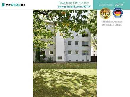 Helle 4-Zimmer-Wohnung mit Balkon in kleinem Mehrfamilienhaus in grüner ruhiger Lage