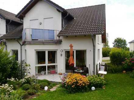 Helle drei Zimmer Erdgeschosswohnung mit eigenem Garten in Dorsheim, Kreis Bad Kreuznach