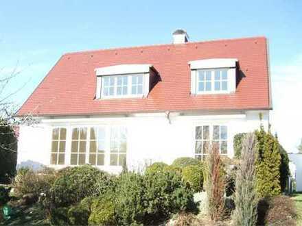 Schönes Einfamilienhaus mit fünf Zimmern in Stuttgart, Riedenberg
