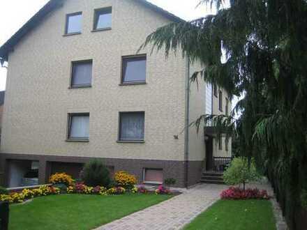Sanierte 5-Raum-Wohnung mit Balkon und Einbauküche in Auhagen