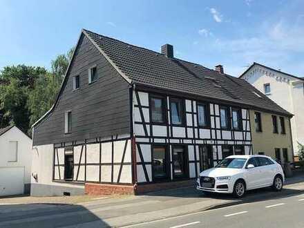 *PROVISIONSFREI* Als Zweifamilienhaus nutzbar - Wohn-/Geschäftshaus mit großem Grundstück