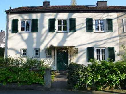 Schönes Haus in Rheinnähe mit neun Zimmern in Bonn, Bad Godesberg