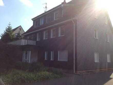 3 Zimmer-Wohnung 1. OG, Wintergarten und Balkon