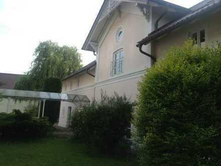 Exklusive 2 Zimmerwohnung mit Gewölbe und Terrasse!