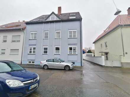 Gepflegte 1-Zi.-Wohnung mit EBK, 2 Terrassen und Garagenstellplatz in Mannheim