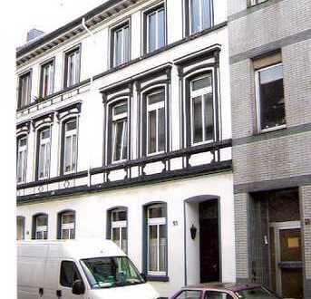 Schönes 1 Zi.-Appartement mit gr.Balkon im Zentrum von Krefeld mit Blick ins Grüne