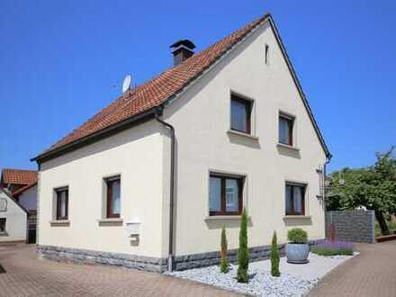 Gepflegtes Einfamilienhaus - quadratisch, praktisch gut