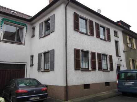 Homburg Saar-Pfalz Kreis, schöne 3-Zimmer-Erdgeschoss-Wohnung mit Balkon