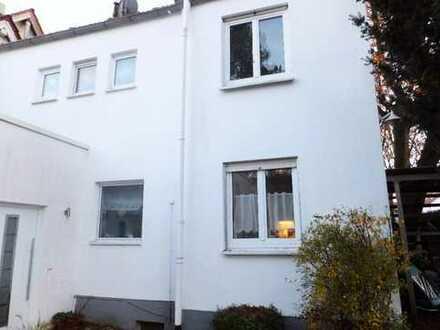 Schönes Haus mit sechs Zimmern in Augsburg, Hochzoll