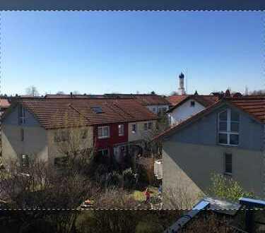 Traum-Dachgeschosswohnung mit S/W Balkon, Bergblick und tollen Sonnenuntergängen in Hohenbrunn
