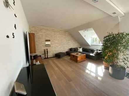 luxuriöse Dachgeschoß-Wohnung mit Top-Ausstattung und großer Dachterrasse, München-Pasing