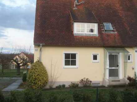 Hübsche 2-Zimmer-EG-Wohnung mit Terrasse in Neuburg Herrenwörth