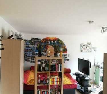 ---TOP LAGE---NEUE RENOVIERTE WOHNUNG---25 m² Zimmer direkt an der Universität