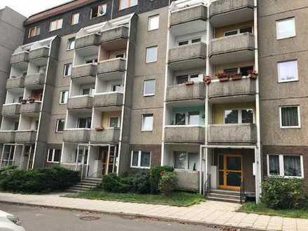 Helle 1-Zimmer-Wohnung mit Balkon in der Nähe des Schlossparks mit Balkon