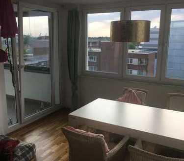 Möbliertes Zimmer in super zentraler Lage in Altona mit tollem Ausblick