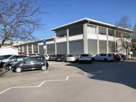 Büro- und Fertigungsgebäude