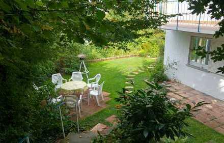 Leonberg, herrliche Villa in exclusiver Süd-West Aussichtslage. Auch mit ELW möglich