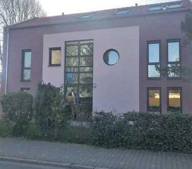 Exklusive 5-Zimmer-Wohnung in Frankfurt am Main in Zwei-Familienhaus
