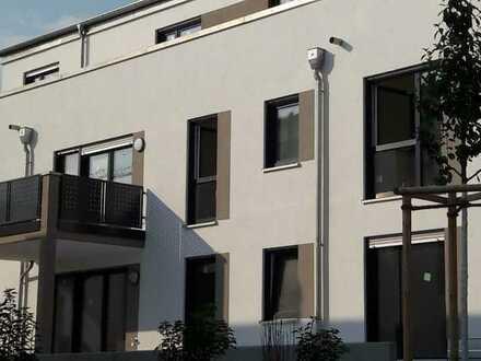 Neubau: schöne 3-Zimmer-Wohnung 1. OG mit Balkon in Langenselbold