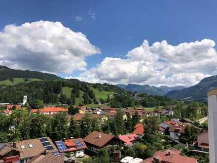 Über den Dächern von Sonthofen: 2-Zimmer ETW mit einzigartigem Blick in die Berge