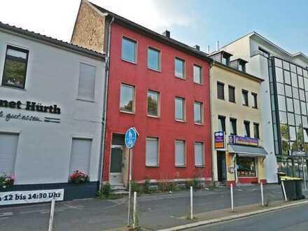 Entkerntes Mehrfamilienhaus mit Genehmigung zum Dachausbau im Speckgürtel von Köln
