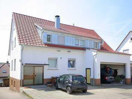 Schöne 3,5-Zimmer-Wohnung mit Balkon, Keller und Garage in Top-Lage von Sersheim