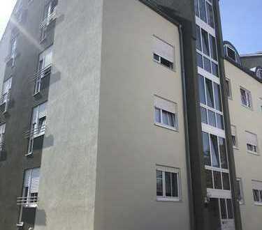 Zentrumsnahe gepflegte 3-Zimmer-Wohnung mit Balkon und EBK in Forchheim (Kreis)