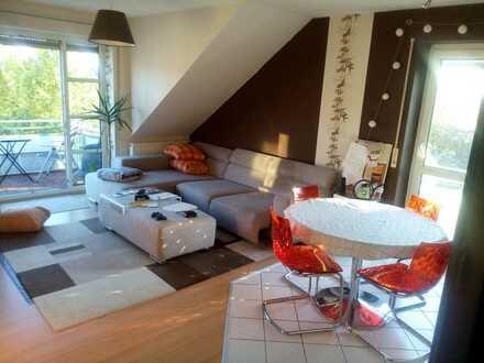 Stilvolle, gepflegte 3-Zimmer-DG-Wohnung mit Balkon und EBK in weissenhorn.