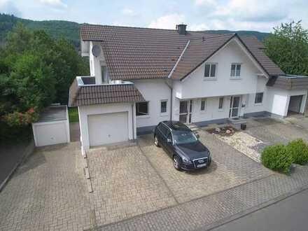 4-Zimmer-Wohnung in Nahbollenbach mit Dachterrasse / Fernblick / Kamin