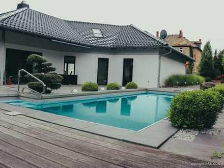Luxusvilla mit Pool Altenburg - Zentrum - ca. 2.800 qm Grund