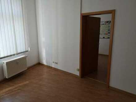 160 m² große Büroeinheit im Zentrum von Burg zu vermieten