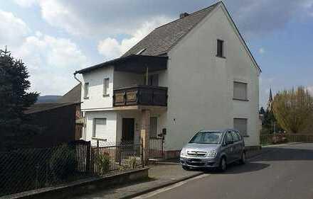 EFH mit Nebengebäude und Grundstück