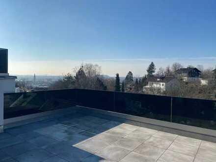 Erstbezug: Luxus 4-Zimmer-Penthouse mit Einbauküche und 2 (Dach-)Terrassen+Hanggarten