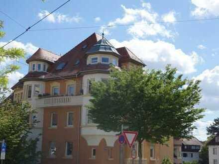 Exquisite modernisierte 4 Zimmer Altbauwohnung in Stuttgart- West