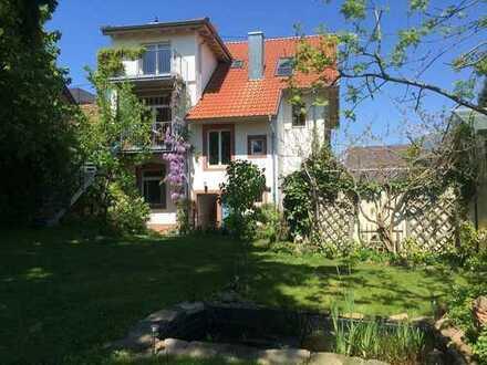 wunderschöner Jugendstil-Altbau mit großem Garten, große 3-Raum-EG-Wohnung in Edenkoben