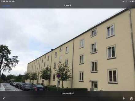 Schöne, ruhige 3-Zimmer-Hochparterre-Wohnung mit Balkon in Chemnitz-Sonnenberg